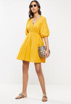 Cotton On - Woven barbara batwing mini dress - mango