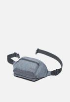 Herschel Supply Co. - Seventeen light - hip packs - raven crosshatch