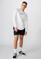 Factorie - Resort short - burning skull