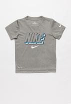 Nike - Nkb nike block knockout short sleeve tee - grey