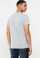 GUESS - Short sleeve guess california tee - grey