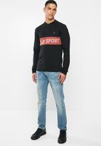 POLO - Sport leo ls chest print henley T-shirt - black