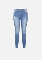 Missguided - Petite sinner clean distress - blue