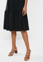 edit - Tiered knit dress- black