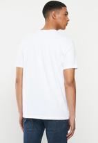 Levi's® - Boxtab graphic tee boxtab white+ graphic - white