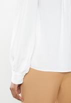 edit - Balloon sleeve shirt - white