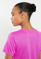 Nike - Icon clash swoosh dri tee - pink