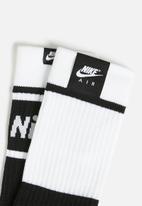 Nike - Nike Air sneaker socks - black & white