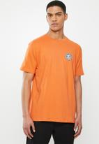Element - Seal back short sleeve tee - orange