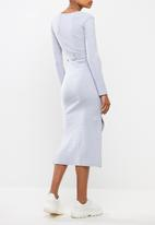 Missguided - Maternity soft rib split side belted midi dress - grey