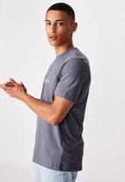 Cotton On - Tbar text T-shirt - dusty denim