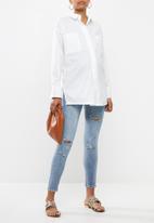 Missguided - Maternity poplin deep cuff shirt - white