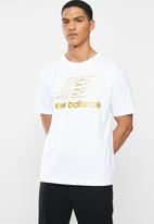 New Balance  - New Balance  athletics podium tee - white
