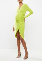Missguided - Maternity ruched wrap mini dress - lime