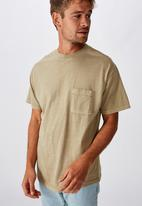 Cotton On - Loose fit washed pocket tee - stone