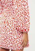 Glamorous - Red leopard volume sleeve mini wrap dress - red
