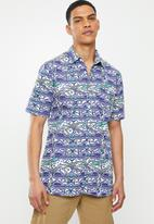 Mami Wata - I am the ruler regular fit shirt - blue & white