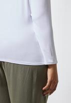 Superbalist - 2 Pack v-neck fitted tees - white & black