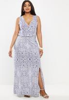 JUNAROSE - Silke wrap maxi dress - blue & white