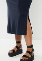 Glamorous - Plus bodycon turtle neck midi with slit - navy