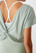 Cotton On - Lifestyle twist back T-shirt -washed aloe