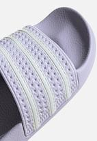 adidas Originals - Adilette w - prptnt/ftwwht/prptnt