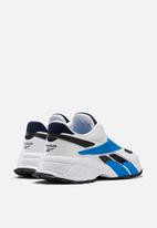 Reebok - Evzn - white & blue