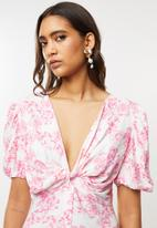 Glamorous - Pink floral maxi with puff sleeves - pink & white