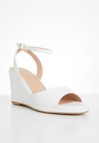 Superbalist - Ella wedge heel - white