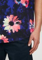 Quiksilver - Brief 13 daisy spray cotton shirt - blue