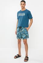 Quiksilver - Diamond dobby volley shorts - blue strelizia