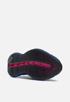 Reebok - Zig kinetica horizon - black/vector blue/proud pink
