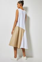 Superbalist - Trapeze combo fabric dress - white & beige