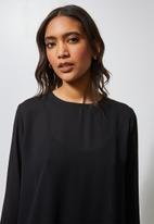 Superbalist - Hi neck blouse - black