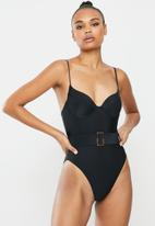 Missguided - Cupped tortoiseshell belt swimsuit - black