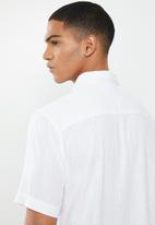 Brave Soul - Obelisk linen blend shirt - white