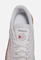 Reebok - Club C stacked - white / reebok rubber gum