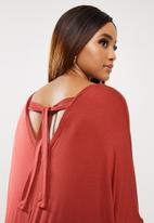 edit Plus - Easy cacoon tie back dress - burgundy