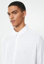 Brave Soul - Dumfries linen blend shirt - white