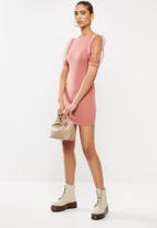 Blake - Round neck mini dress with puff sleeves - pink