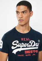 Superdry. - Vintage tri logo tee - navy