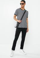 Brave Soul - Siamese T-shirts - black & white