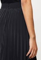 Blake - Satin pleated mini skirt - black