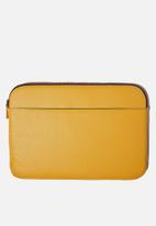 Typo - Core laptop cover 15 inch - yellow