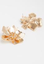 Superbalist - Flower studs - gold