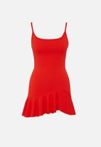 Missguided - Petite frill hem strappy bodycon dress - red