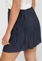 Jacqueline de Yong - Minka short skirt - sky captain