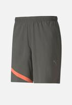 "PUMA - Ignite blocked 7"" short - grey & peach"