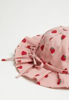 POP CANDY - Girls strawberry hat - pink