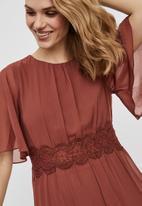 Vero Moda - Sally 2/4 maxi lace dress - burgundy